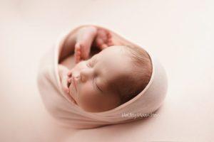 Best-baby-photographer-Calgary-Alberta-new-born-photoshoot.jpg