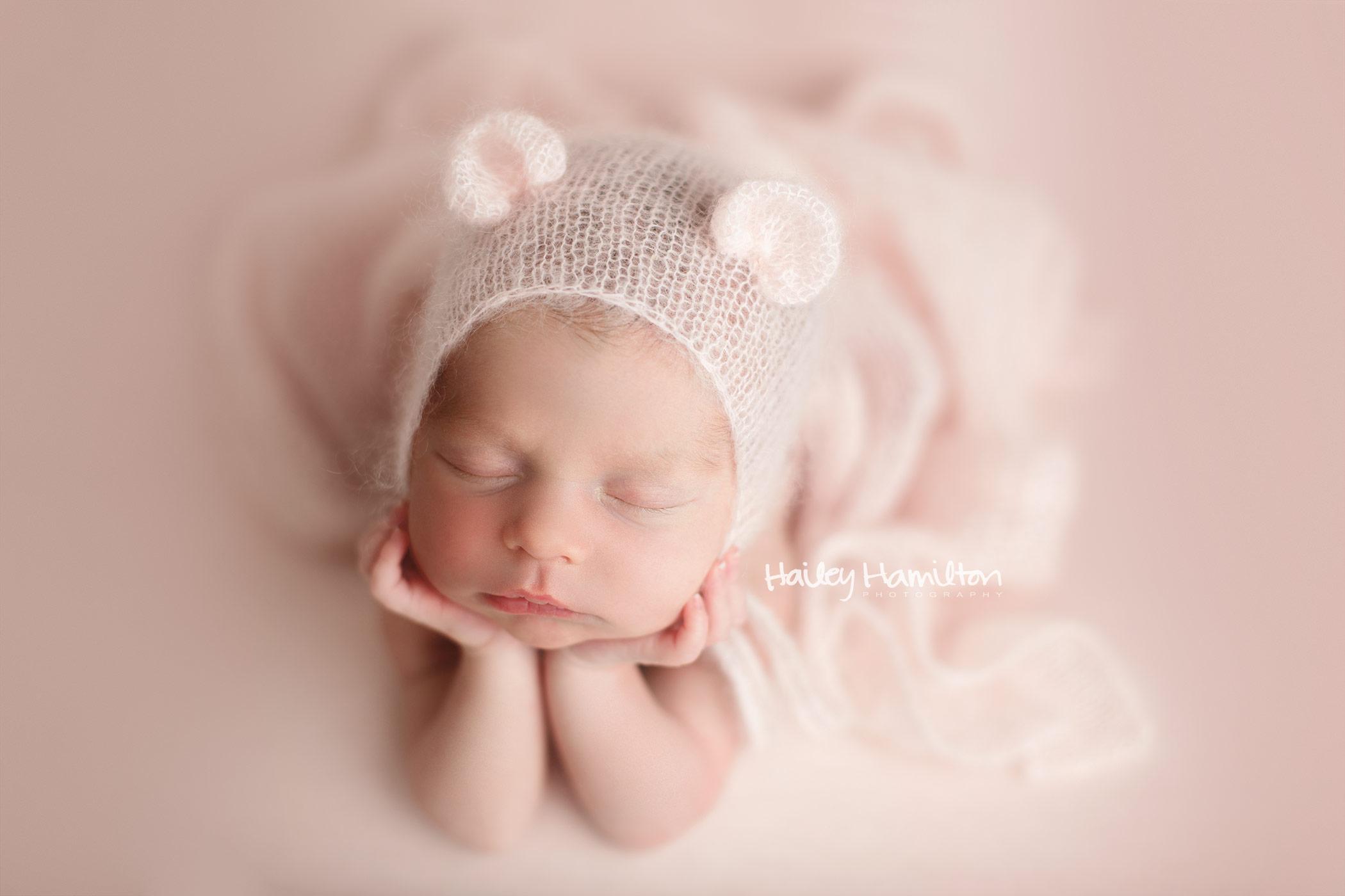 Calgary-newborn-photographers-new-born-baby-photography-Calgary-baby-pictures