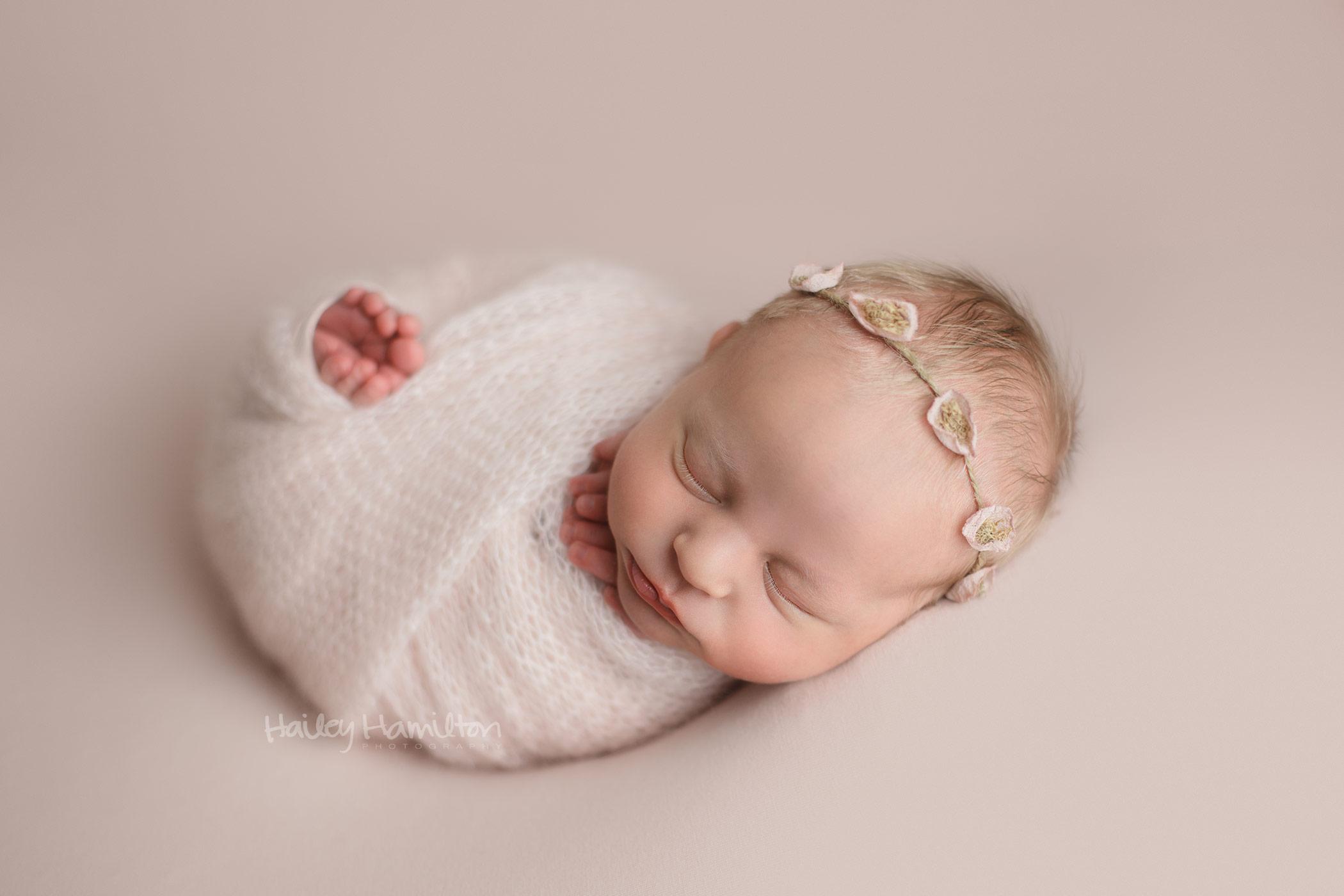 Calgary-newborn-photography-Calgary-baby-photographer-new-born-pictures