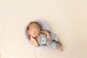 Cleveland-Newborn-Photographer-4.jpg