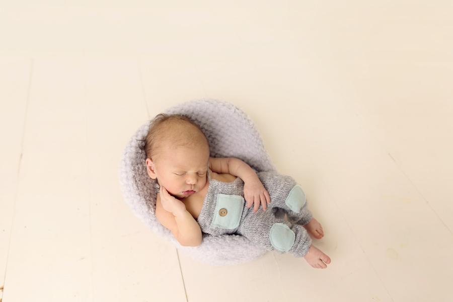 Cleveland-Newborn-Photographer-4
