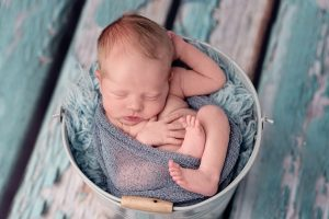 Sweet-newborn-baby-boy-Ola-Molik-Photography-5.jpg