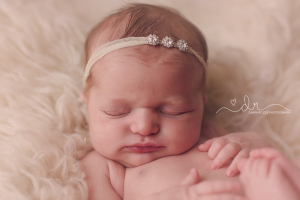 Tacoma Newborn Photographer (1).png