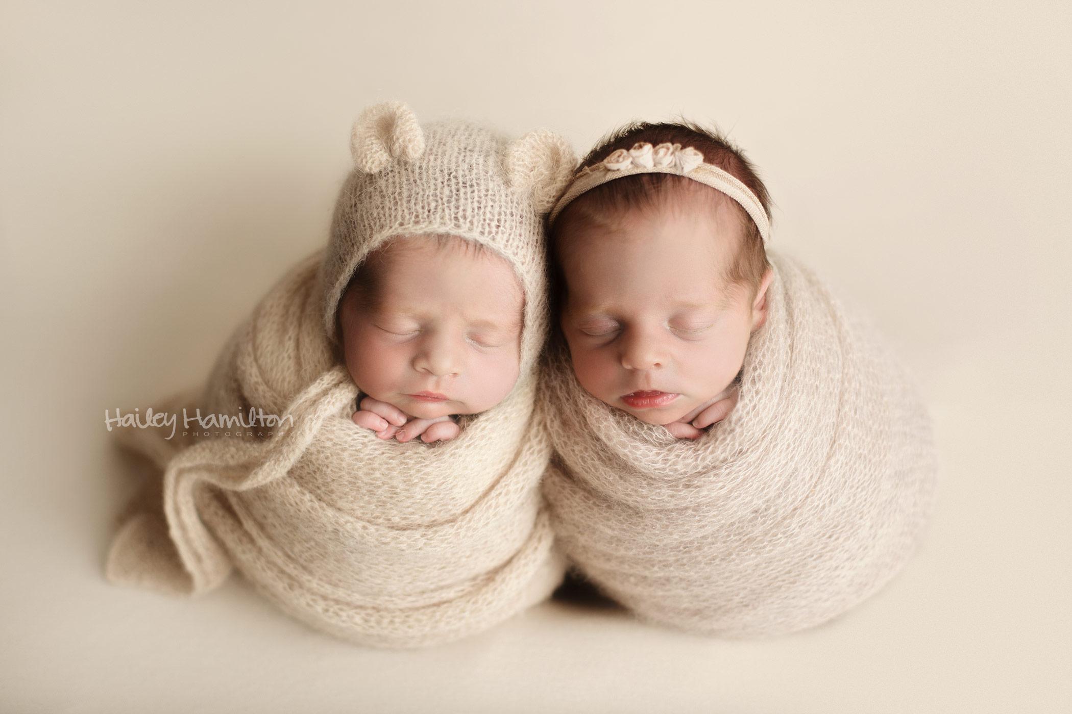 Twins-newborn-photographer-Calgary-new-born-photography-photo-studio