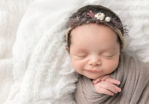 charlotte newborn photographer_beth wade-contact.jpg