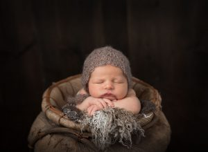 newborn-bonnet-brown-midlothian-tx.jpg