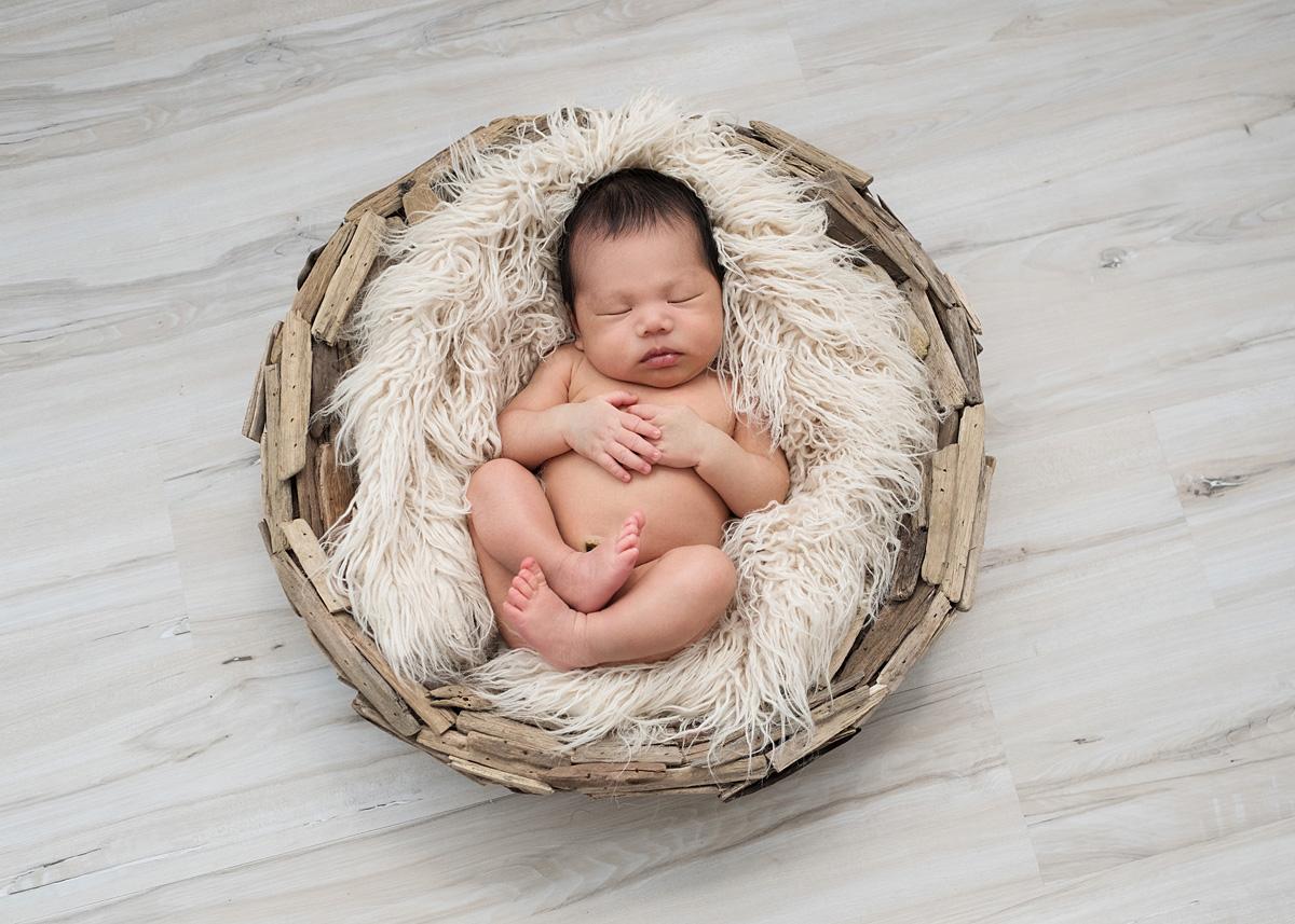 newborn_posed